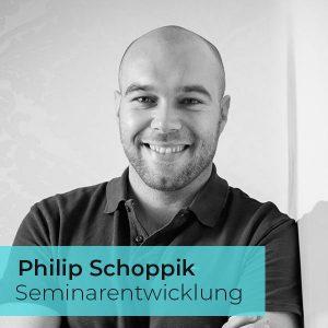 https://www.vonkunhardt.de/wp-content/uploads/2019/12/Philip_schoppik-1-300x300.jpg